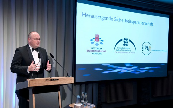 "Deutschland, Berlin. Date: 11.11.2015 OSPAs Galaabend in der ""Kalkscheune"" Berlin Mitte.  Outstanding Security Performance Awards 2015."